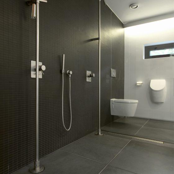 Een natuursteen badkamer, hoe maak je de juiste keuze | Rene Thijs ...