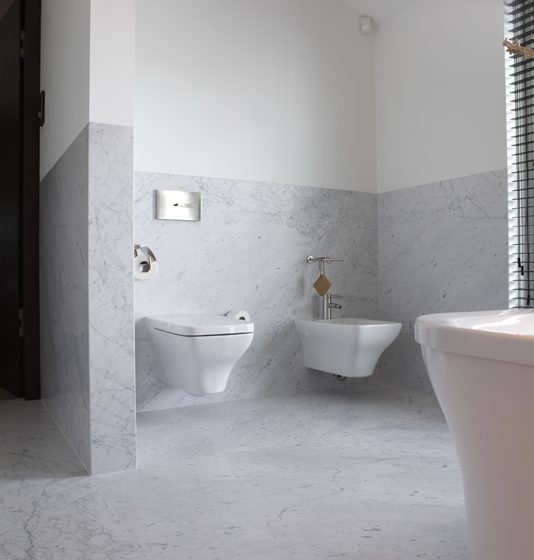 Badkamer Marmer Tegels.Een Natuursteen Badkamer Hoe Maak Je De Juiste Keuze Rene Thijs